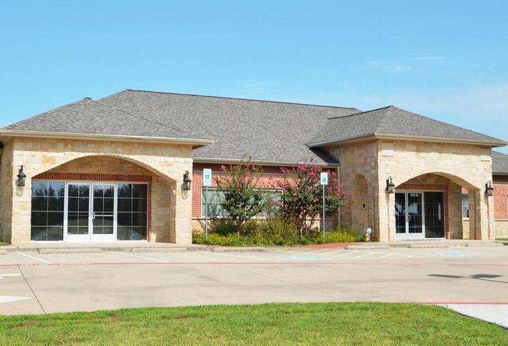 NRT Texas leased a 5K SF office building at 3910 West Interstate 20 in Arlington from Parkside 20 LLC. Coldwell Banker Commercial Advisors DFW's Beaux Riley represented the tenant. English Realty's Eric English represented the landlord.