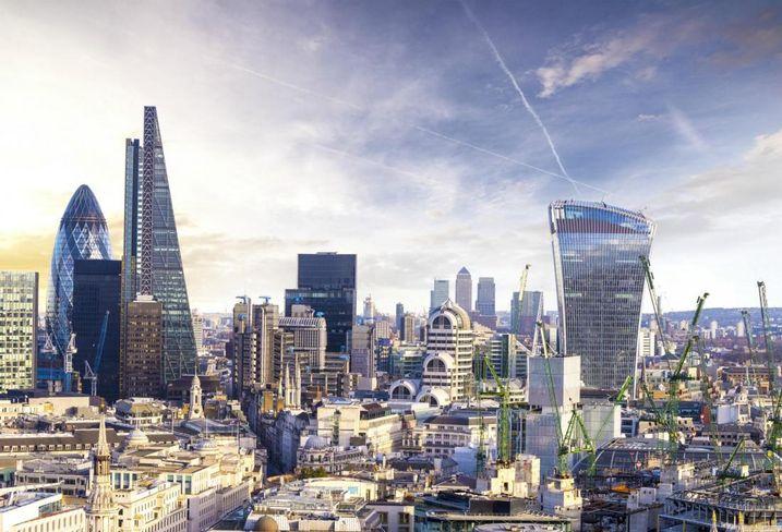 London skyline - ok to use, we purchased