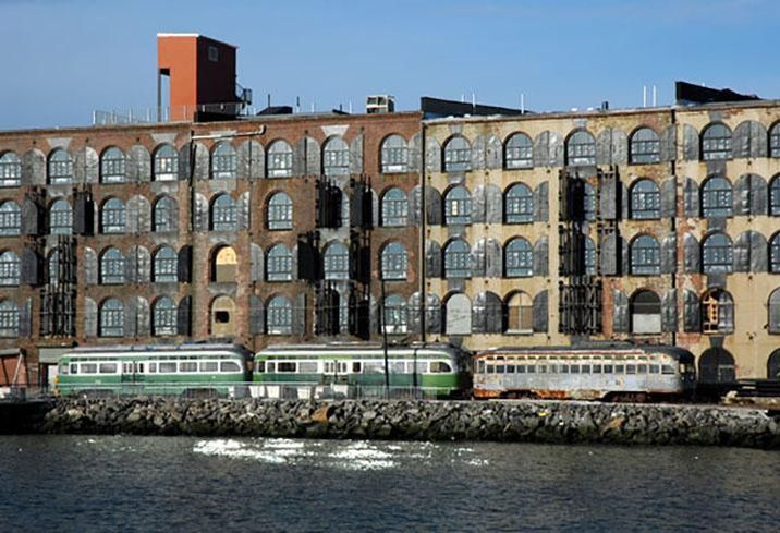 Red Hook: New York's Last-Mile Distribution Solution