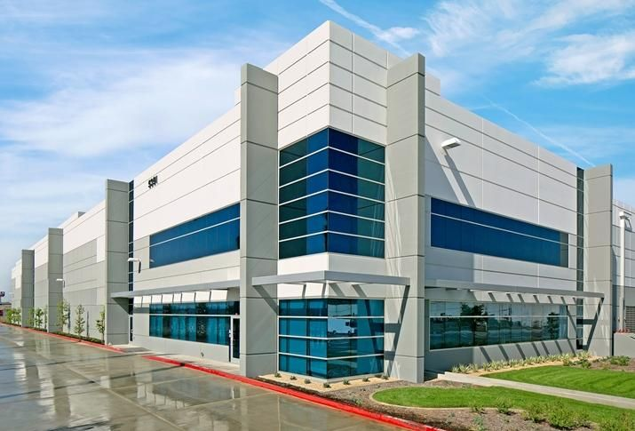 140K SF building we lease to FedEx in Bell