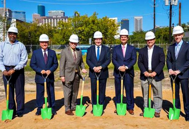 Midtown Redevelopment Authority executive director Matt Thibodeaux; Midtown Management District board chairman William Franks; Houston chief development officer  Andy Icken; Caydon principal Joe Russo; Caydon COO Derrek LeRouax; HOAR Construction vice president Brian Cook and Houston Director of Planning and Development  Patrick Walsh