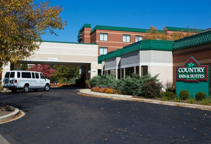 Country Inn & Suites, Naperville, Illinois