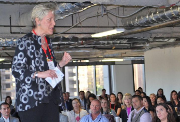The Lifework Institute Principal's Carol Murray served as the keynote speaker at Bisnow's LA Power Women Series: Leaders In Commercial Real Estate held Dec. 13, 2017 at the Bank of America Plaza in downtown Los Angeles.