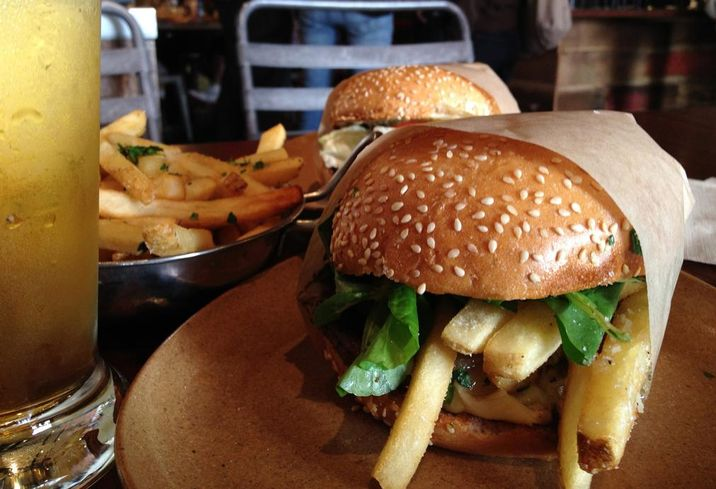 Shake Shack Shakes Up Bay Area Burger Scene