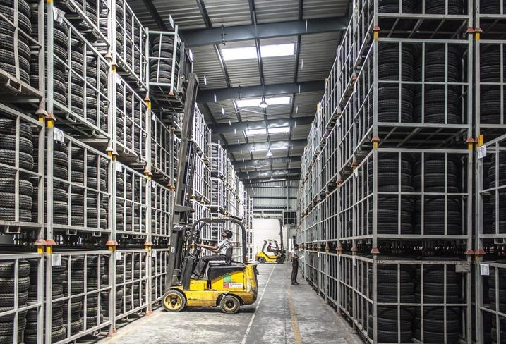 Warehouse and forklift