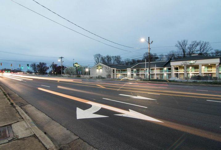 West Sugar Creek Road, Charlotte
