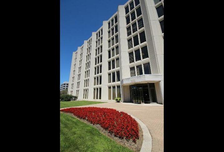 Suburban Chicago office real estate