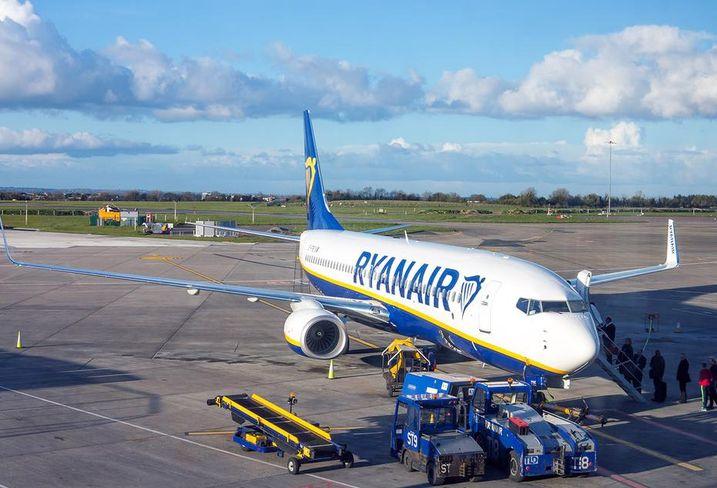 Dublin airport ryanair runway