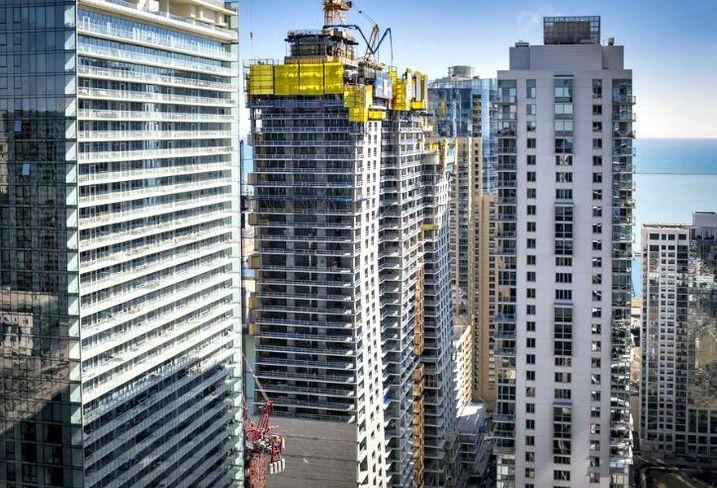 Vista Tower Construction, Chicago