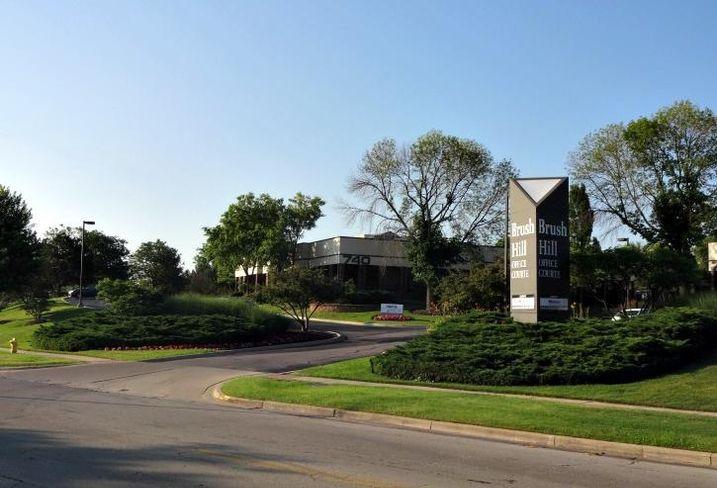 740 Pasquarelli Drive, Westmont, Illinois