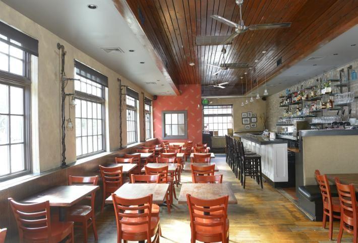 New Coworking App Utilizing Empty Restaurant Space Nears Launch