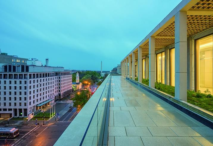 900 16th Street Office building's roof deck provides views of the Washington Monument