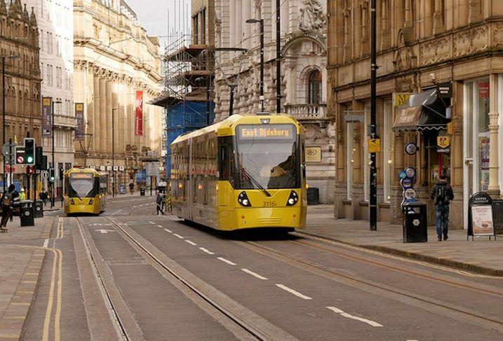 Trams manchester metrolink cross street 2017