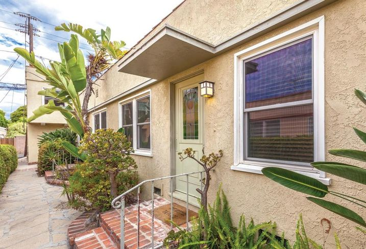 A Los Angeles based family trust has acquired a six-unit apartment in Santa Monica from Oak Street LLC for $2.84M. Built in 1948, the 3,569 SF Oak Street Apartments at 2450 Oak St. closed at a 3.8% cap rate. Stepp Commercial's Kimberly R. Stepp represented the seller and buyer.