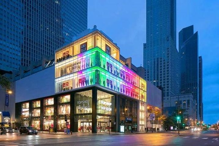 UNIQLO N. Michigan Avenue Global Flagship Store