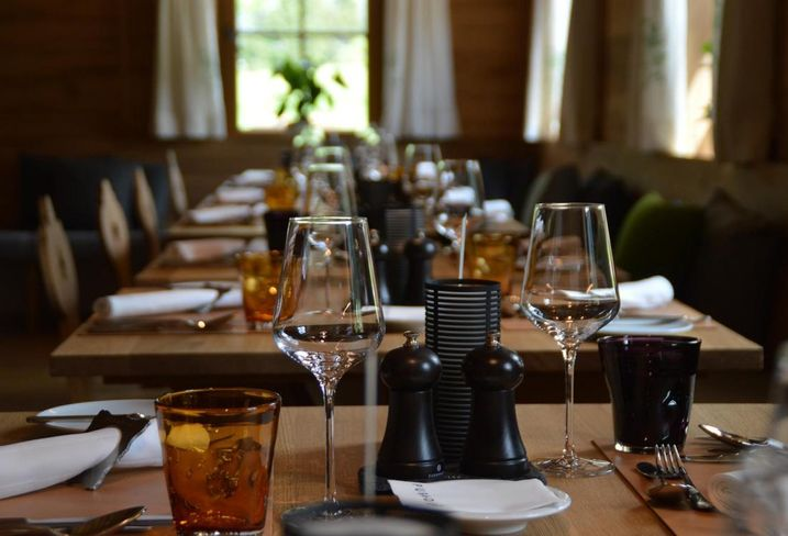 Retail Sales Missed Economist Estimates In September Due To A Drop-Off In Restaurants, Bar Visits