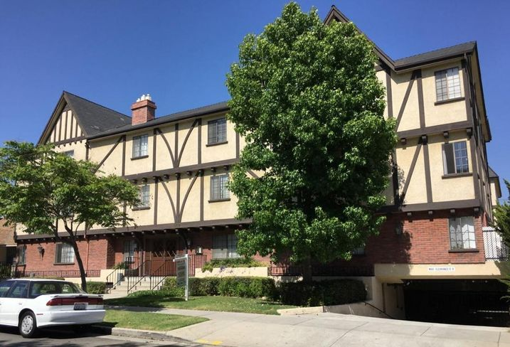 The 20-unit Belmont apartment in Glendale sold for $8M.
