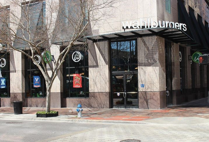 Marky Mark, Jerry Jones And Burgers Collide In New Restaurant