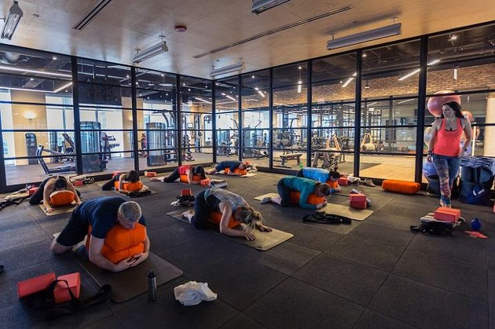 Tone, the new state-of-the-art fitness center in the Willis Tower.