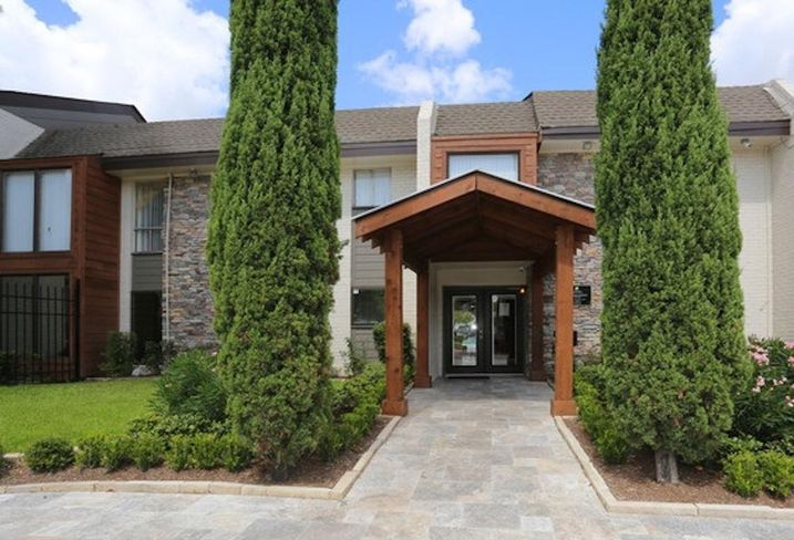 Houston Firm Secures Loans For 6 Texas Multifamily, Retail Properties