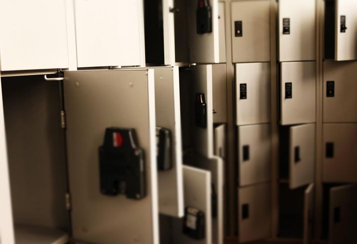 Lockers Can't Keep Up With The Landslide Of E-Commerce Packages