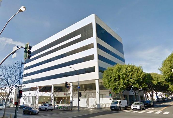 Fiexible workspace provider Knotel has signed a lease with Douglas Emmett to occupy office space at 429 Santa Monica Blvd. in Santa Monica.