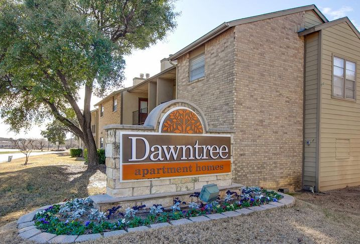 Dawntree Apartments in Carrollton