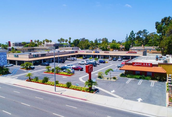 Retail property at 16889-16929 Beach Boulevard in Huntington Beach