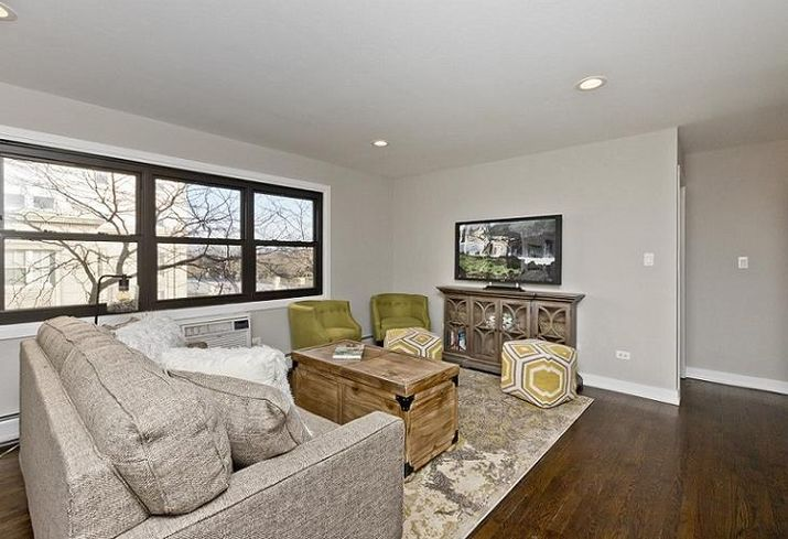 """A renovated unit in """"The District @ Sheridan"""" at 5536 North Sheridan Rd. in Edgewater."""