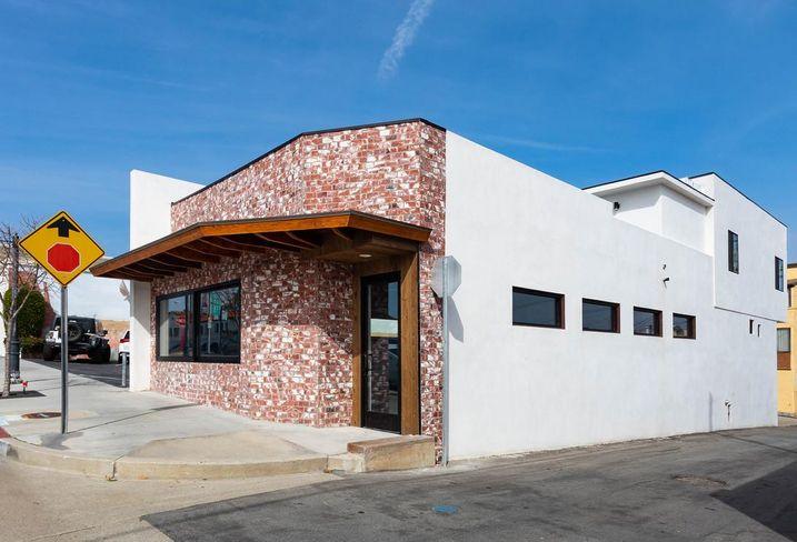 Office building at 219 W. Grand Ave in El Segundo, CA