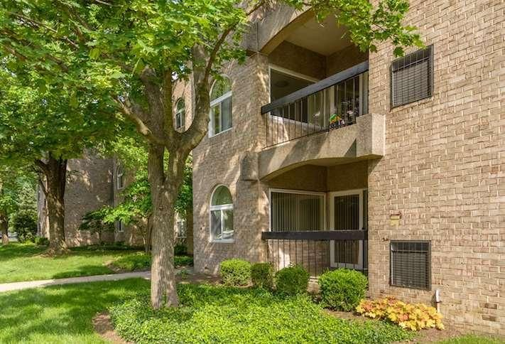The Commons of McLean South apartments at 7300 Dartford Drive