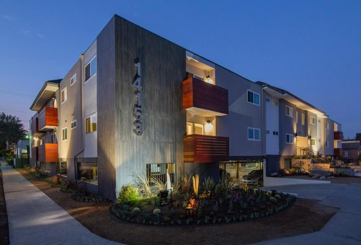 The Victory Apartments in Van Nuys