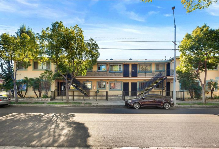 Apartment building at 3222 Hollydale Drive in Atwater Village