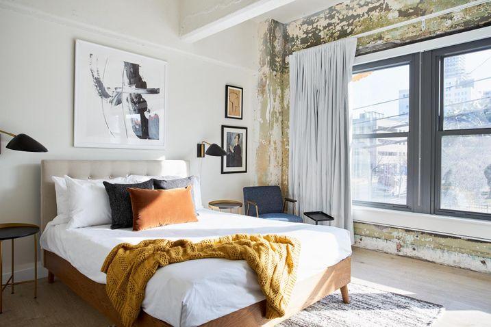 Sonder bedroom