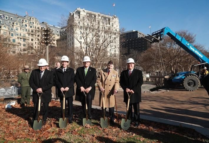 National Park Service Acting Director David Vela, World War I Centennial Commission Special Advisor Admiral Mike Mullen, Commission Chair Terry Hamby, Commission Special Advisor Senator John Warner and U.S. Secretary of the Interior David Bernhardt at the Dec. 12 groundbreaking