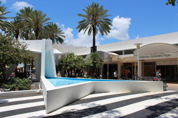 New Retailers Flowing To Lincoln Road After Price Correction