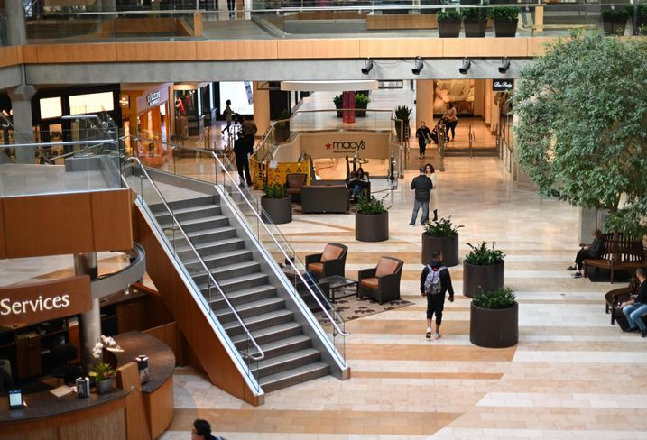 The Real Retail Apocalypse Is Here As Mall Traffic Plummets, Chain Restaurants Push Back On Rent