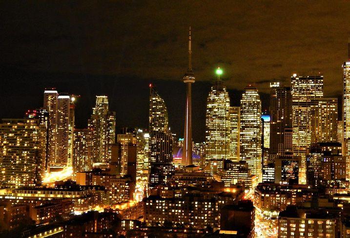 Downtown GTA CN Tower