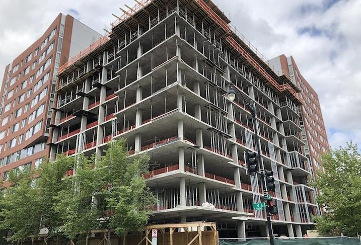 The Holiday In Express hotel project at 317 K St. NW.