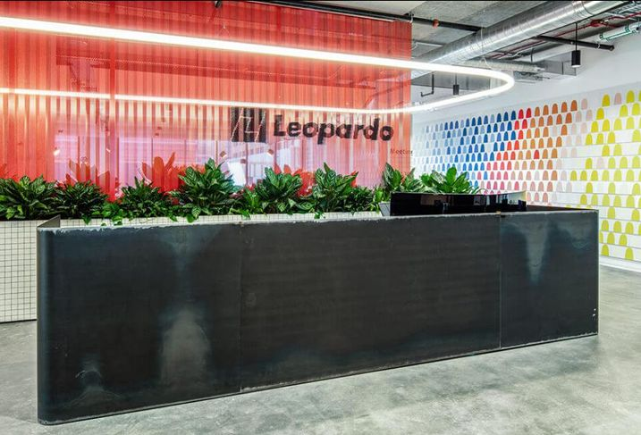 Leopardo Office reception
