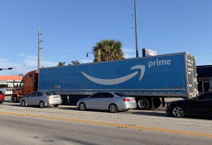 Amazon, Local Developer Pitch Warehouse Off Dorchester Avenue