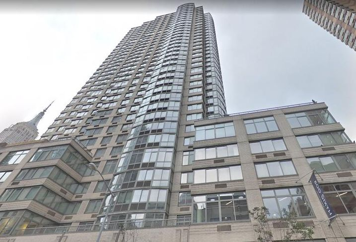Equity Residential Selling Another Large Manhattan ...