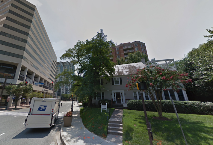 The site at 4824 Edgemoor Lane where Acumen plans a 12-story condo building