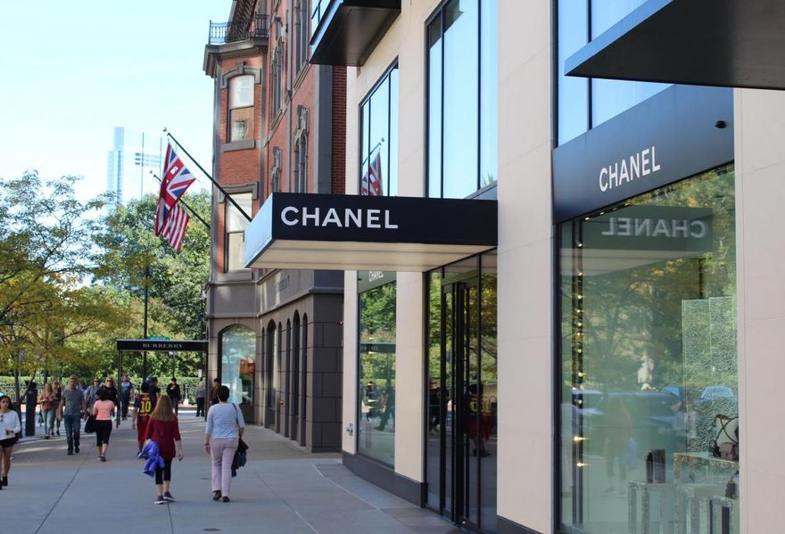 Barneys' Last Stand: Foreign Students, 'Value' Rents Make Boston A Safe Bet For Luxury Retail