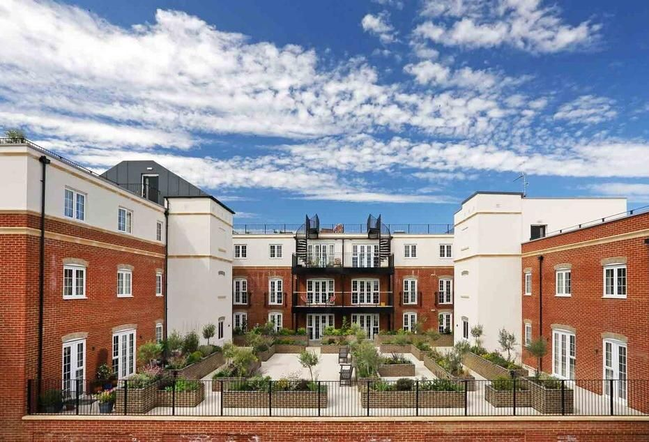 Carlyle Moves In To UK Senior Living Sector
