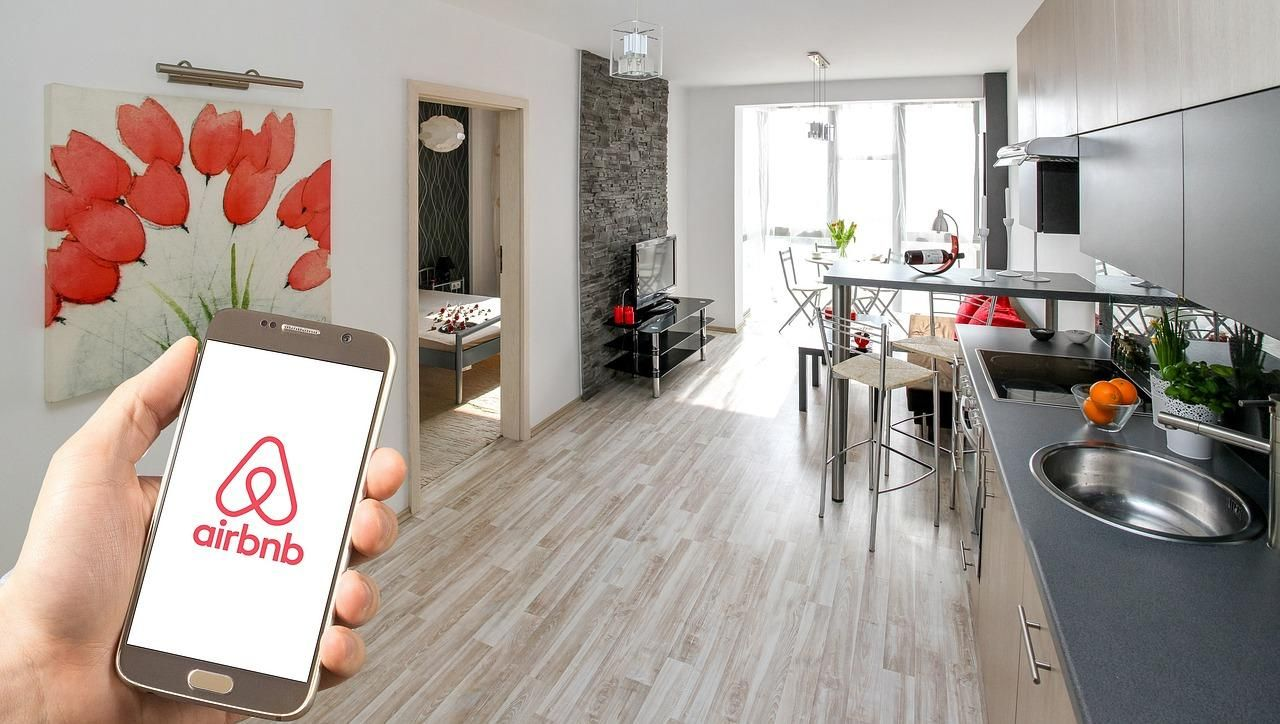 Airbnb Raises Another $1B As Travel Industry Flounders